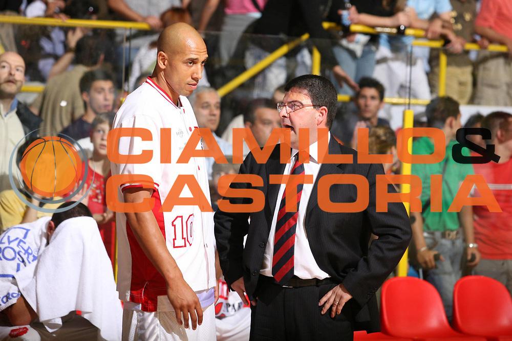 DESCRIZIONE : Pavia Lega A2 2006-07 Playoff Finale Gara 4 Edimes Pavia Scavolini Spar Pesaro<br /> GIOCATORE : Alessandro Ramagli Carlton Myers<br /> SQUADRA : Scavolini Spar Pesaro<br /> EVENTO : Campionato Lega A2 2006-2007 Playoff Finale Gara 4<br /> GARA : Edimes Pavia Scavolini Spar Pesaro<br /> DATA : 03/06/2007 <br /> CATEGORIA : Curiosita<br /> SPORT : Pallacanestro <br /> AUTORE : Agenzia Ciamillo-Castoria/S.Ceretti