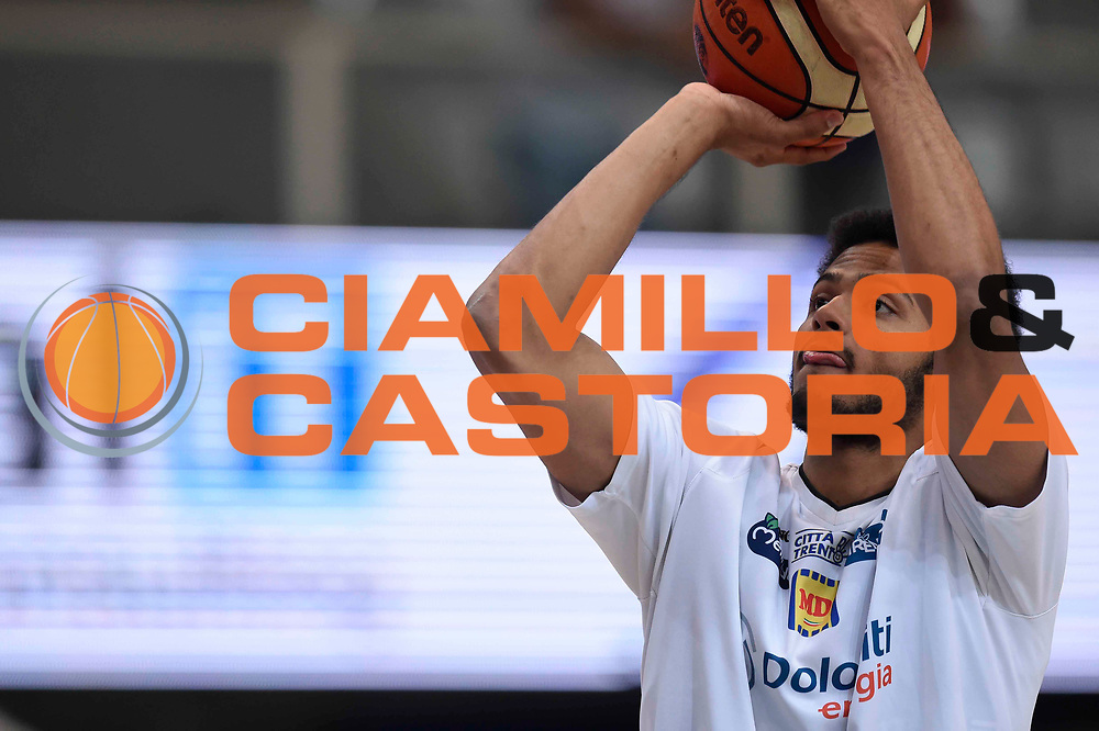 Shavon Shields<br /> Dolomiti Energia Aquila Basket Trento - Umana Reyer Venezia<br /> Lega Basket Serie A 2016/2017<br /> Playoff, finale gara 3<br /> Trento, 14/06/2017<br /> Foto Ciamillo-Castoria