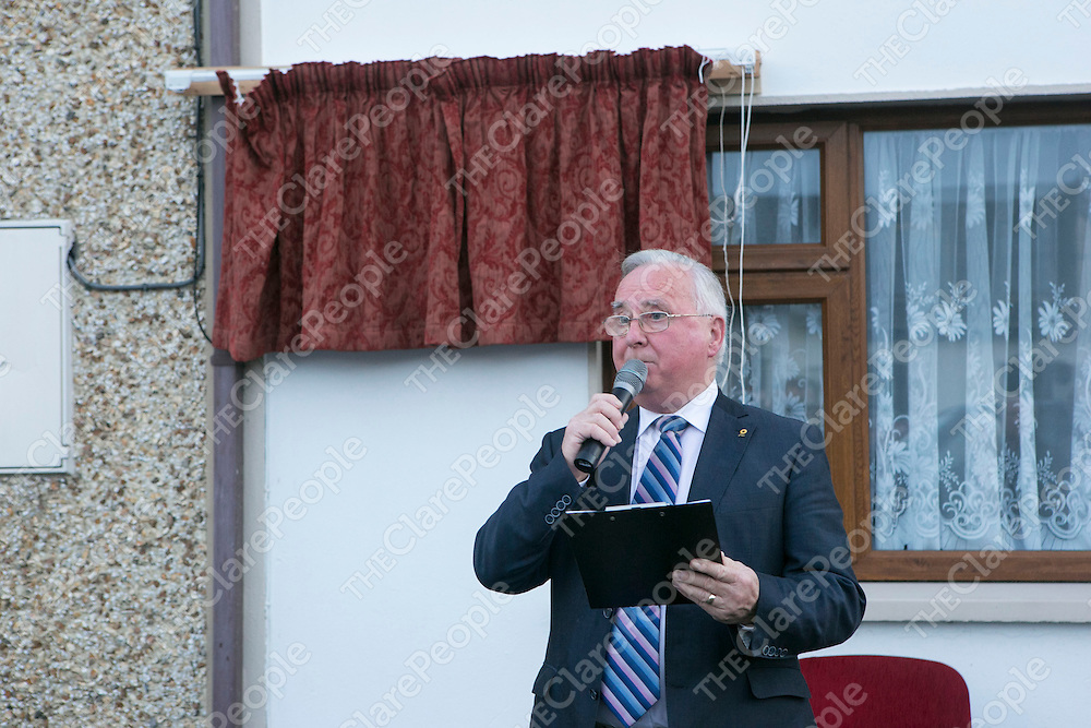 John Bradley speaking at the Unveiling of a Plaque where the old Ennis Graveyard used to be in Ennis.<br /> Pictured Credit Brian Gavin Press 22