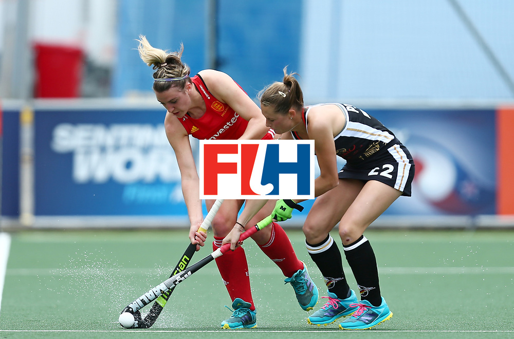 New Zealand, Auckland - 18/11/17  <br /> Sentinel Homes Women&rsquo;s Hockey World League Final<br /> Harbour Hockey Stadium<br /> Copyrigth: Worldsportpics, Rodrigo Jaramillo<br /> Match ID: 10293 - ENG vs GER<br /> Photo: (26) OWSLEY Lily against (22) PIEPER Cecile
