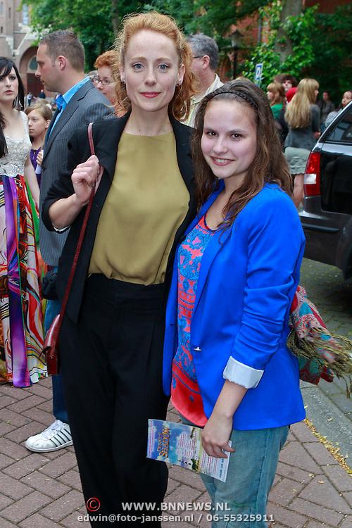 NLD/Amsterdam/20110605 - Premiere Penny's Shadow, Sytske van der Ster en Emilie Pos