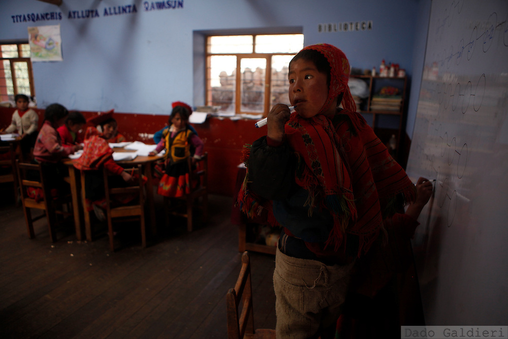 Children at a public school at the indigenous village of Willoc  in  Peru, Friday, {yr2).(Photo Dado Galdieri)