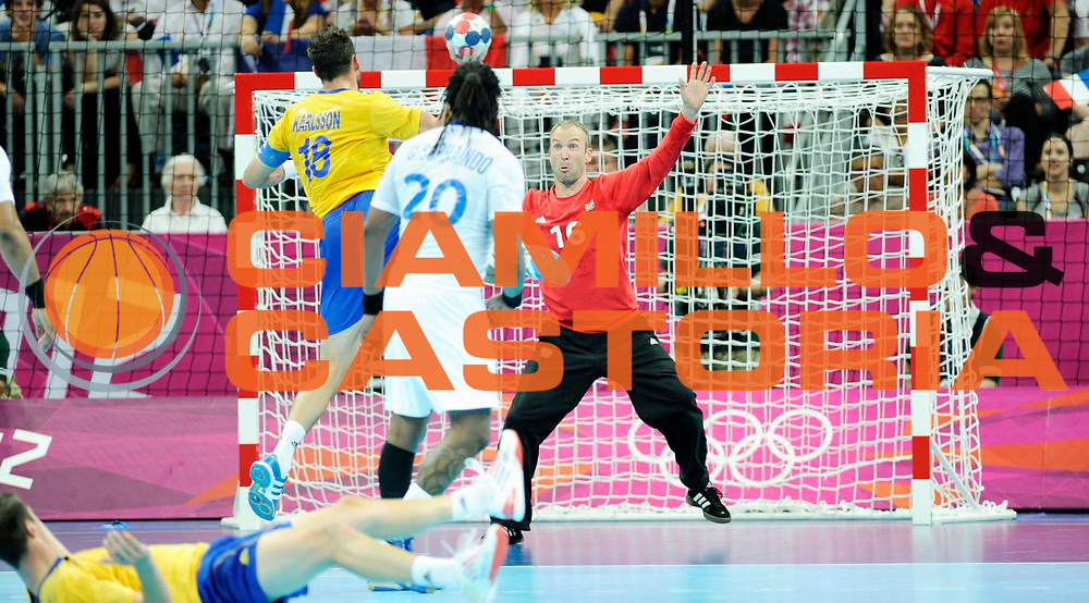 DESCRIZIONE : Handball Jeux Olympiques Londres Finale Homme<br /> GIOCATORE : KARLSSON Tobias SWE Omeyer Thierry FRA<br /> SQUADRA : France Homme<br /> EVENTO : Jeux Olympiques<br /> GARA : France Suede<br /> DATA : 12 08 2012<br /> CATEGORIA : Handball Jeux Olympiques<br /> SPORT : Handball<br /> AUTORE : JF Molliere <br /> Galleria : France JEUX OLYMPIQUES 2012 Action<br /> Fotonotizia : Jeux Olympiques Londres Finale Homme<br /> Predefinita :