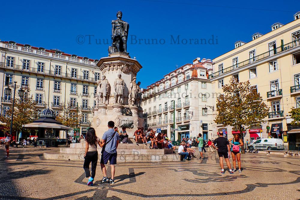 Portugal, Lisbonne, quartier Bairro Alto, place de Luis de Camoes // Portugal, Lisbon, Bairro alto, Luis de Camoes square
