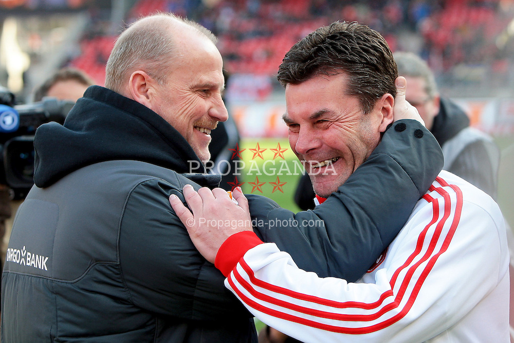 19.03.2011, easy Credit Stadion, Nuernberg, GER, 1.FBL, 1. FC Nuernberg / Nürnberg vs SV Werder Bremen, im Bild:.Thomas Schaaf (Trainer Headcoach Bremen) drückt Dieter Hecking (Trainer Headcoach Nuernberg) zur Begrüßung.EXPA Pictures © 2011, PhotoCredit: EXPA/ nph/  Will       ****** out of GER / SWE / CRO  / BEL ******