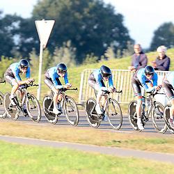 27-09-2016: Wielrennen: Olympia Tour: Hardenberg  <br />HARDENBERG (NED) wielrennen  Nederlands oudste wielerkoers ging van start in Hardenberg met een ploegentijdrit. Metec TKH p/b/ Mantel