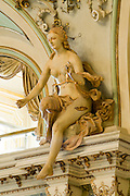 Figur, Justitia, Foyer, Staatstheater innen, Wiesbaden, Hessen, Deutschland | foyer, state theatre, Wiesbaden, Hesse, Germany
