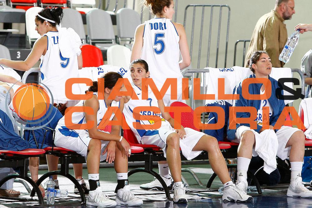 DESCRIZIONE : Valmiera Latvia Lettonia Eurobasket Women 2009 Italia Israele Italy Israel<br /> GIOCATORE : Liron Cohen Nomi Kolodny<br /> SQUADRA : Israele Israel<br /> EVENTO : Eurobasket Women 2009 Campionati Europei Donne 2009 <br /> GARA : Italia Israele Italy Israel<br /> DATA : 08/06/2009 <br /> CATEGORIA : delusione<br /> SPORT : Pallacanestro <br /> AUTORE : Agenzia Ciamillo-Castoria/E.Castoria