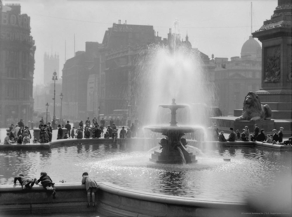 Trafalgar Square Fountain, London, 1929