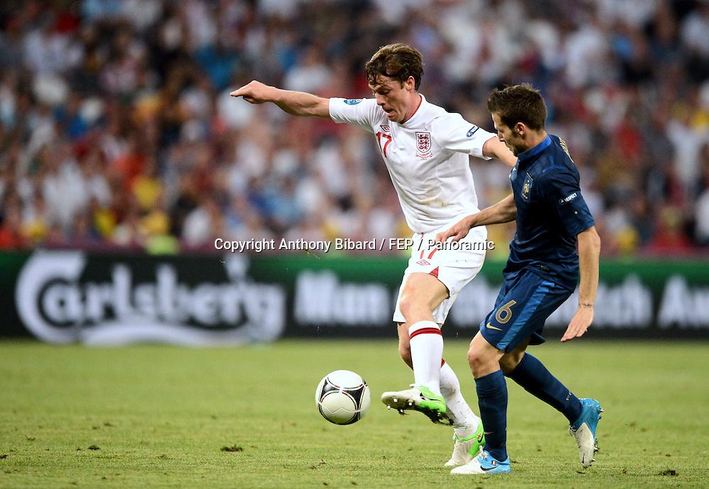 Yohann Cabaye (France) contre Scott Parker (Angleterre)