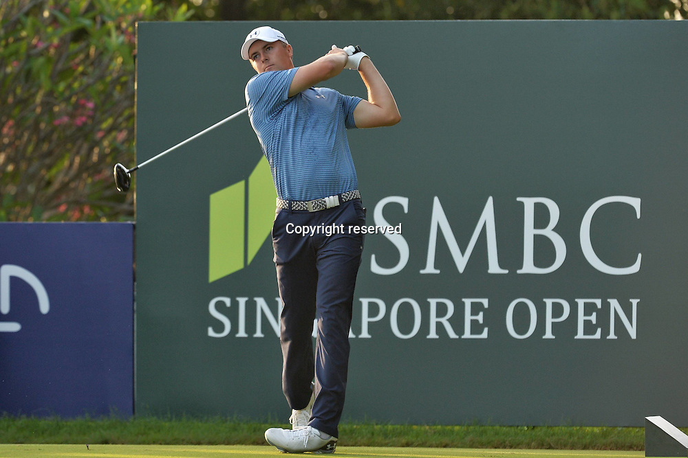 28.01.2016. Singapore.  Jordan Spieth of the United States tees off during the SMBC Singapore Open held at Singapores Sentosa Golf Club Serapong course, Jan. 28, 2016. The SMBC Singapore Open is being held at Singapore s Sentosa Golf Club from Jan. 28 to Jan. 31.