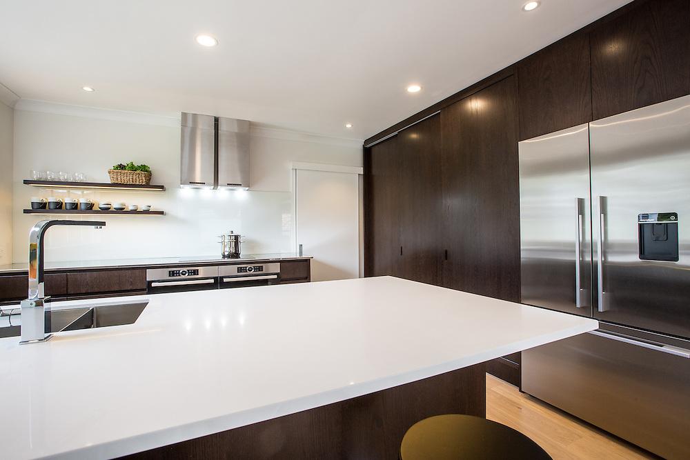 9 Grampian Road - Kitchen Link.  September 2015. Photo: Gareth Cooke / Subzero Images