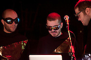 Lasermagiclaser au lancement du 17e festival Vue sur la relève des arts de la scène du 4 au 21 avril 2012 /  le Lion d'Or / Montreal / Canada / 2012-03-07, © Photo Marc Gibert / adecom.ca