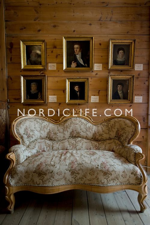 Culture, Sight, Ole Bull house, Detail, Stillife / Object, Historical, Museum, Sofa, Indoor, Brown