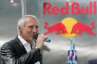Fussball  Mannschaftsvorstellung von FC Red Bull Salzburg 2005/2006  13.06.2005 Dietrich MATESCHITZ (Firmengruender Red Bull)