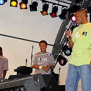 NLD/Huizen/20050709 - Concert Rabobank 100 jaar in Huizen, optreden Replay