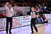 Vincenzo Esposito, Alessandro Martolini arbitro<br /> The FlexX Pistoia Basket - Pasta Reggia Juve Caserta<br /> Lega Basket Serie A 2016/2017<br /> Pistoia, 13/02/2017<br /> Foto Ciamillo-Castoria