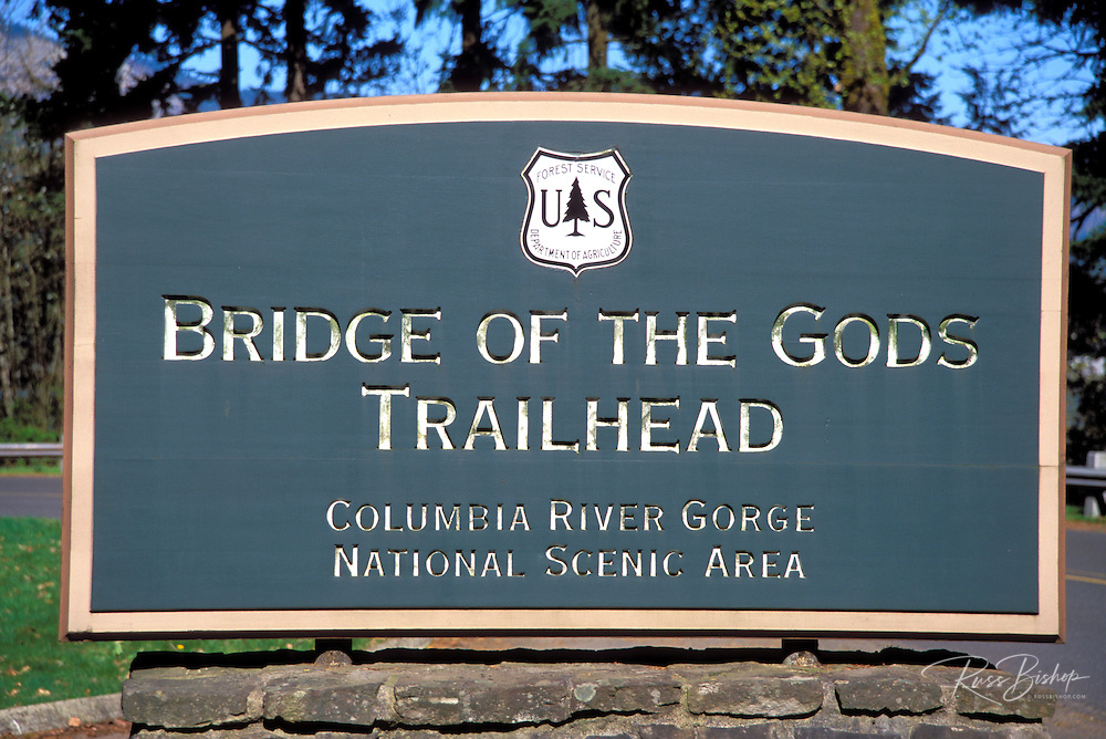 Bridge of the Gods Trailhead sign (Pacific Oregon Crest Trail), Cascade Locks, Columbia River Gorge National Scenic Area, Oregon
