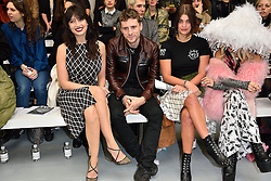 © Licensed to London News Pictures. 23/02/2016. DAISY LOWE, GEORGE BARNETT and PIXIE GELDOF attend the ASHLEY WILLIAMS show at the London Fashion Week Autumn/Winter 2016 show. Models, buyers, celebrities and the stylish descend upon London Fashion Week for the Autumn/Winters 2016 clothes collection shows. London, UK. Photo credit: Ray Tang/LNP