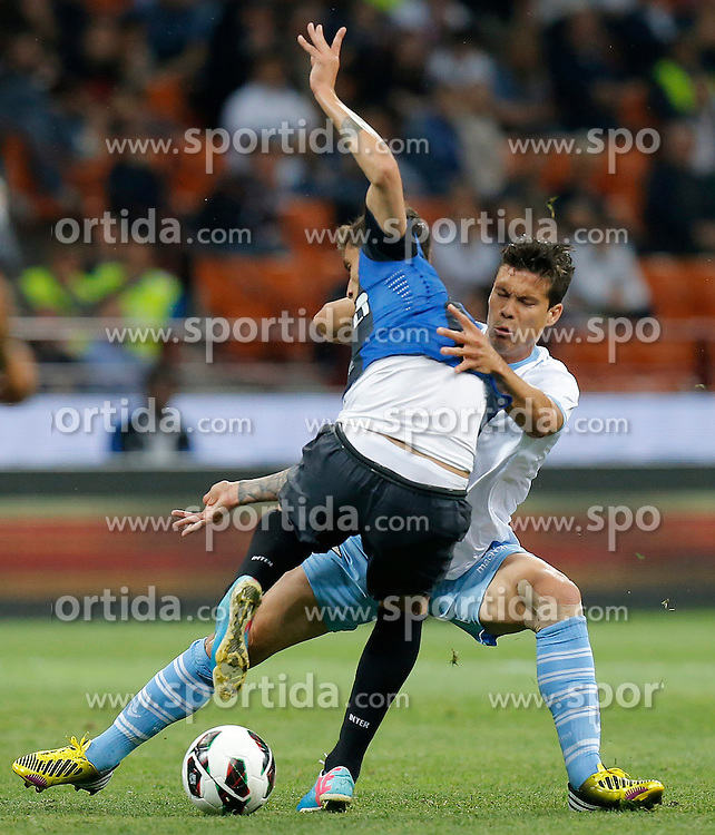08.05.2013 Giuseppe-Meazza-Stadion, Mailand, ITA, Serie A, Inter Mailand vs Lazio Rom, 36. Runde, im Bild Hernanes Lazio // during the Italian Serie A 36th round match between Inter Milan and SS Lazio at the Giuseppe Meazza Stadium, Milan, Italy on 2013/05/08. EXPA Pictures © 2013, PhotoCredit: EXPA/ Insidefoto/ Marco Bertorello..***** ATTENTION - for AUT, SLO, CRO, SRB, BIH and SWE only *****