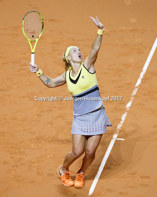 SVETLANA KUZNETSOVA (RUS), Aufschlag von oben, Tattoo,<br /> <br /> Tennis - Porsche  Tennis Grand Prix 2017 -  WTA -  Porsche-Arena - Stuttgart -  - Germany  - 27 April 2017.