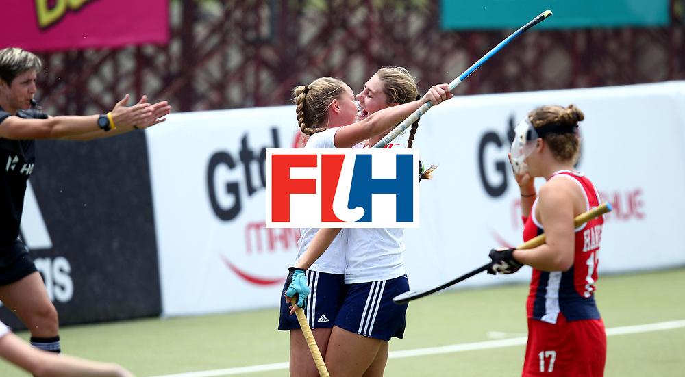 SANTIAGO - 2016 8th Women's Hockey Junior World Cup.<br />39 ENG v USA (7 / 8 Place)<br />foto:  NEAL Elizabeth (rigth) - DALY Charlotte (left) (GOAL)<br />FFU PRESS AGENCY COPYRIGHT RODRIGO JARAMILLO