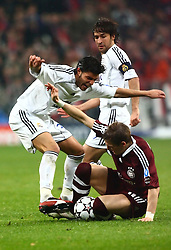 Munich, Germany - Wednesday, March 7, 2007: Bayern Munich's Bastian Schweinsteiger in action against Real Madrid's Torres during the UEFA Champions League First Knock-out Round 2nd Leg at the Allianz Arena. (Pic by Christian Kolb/Propaganda/Hochzwei) +++UK SALES ONLY+++