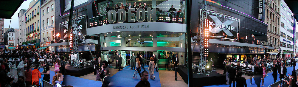 Actors on the balcony in centre, blue carpet at the X -Men 2 premiere, London. © Copyright Photograph by Dafydd Jones 66 Stockwell Park Rd. London SW9 0DA Tel 020 7733 0108 www.dafjones.com