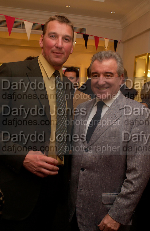 Matthew Pinsent and Terry Venables. Party to celebrate Matthew Pinsent's Testimonial Year. theo Fennell. 5 May 2005.  ONE TIME USE ONLY - DO NOT ARCHIVE  © Copyright Photograph by Dafydd Jones 66 Stockwell Park Rd. London SW9 0DA Tel 020 7733 0108 www.dafjones.com
