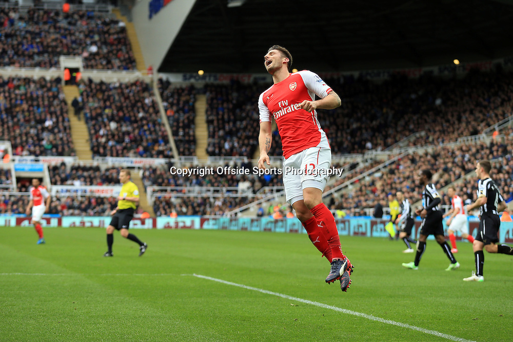 21 March 2015 - Barclays Premier League - Newcastle United v Arsenal - Olivier Giroud of Arsenal reacts as an effort goes wide - Photo: Marc Atkins / Offside.