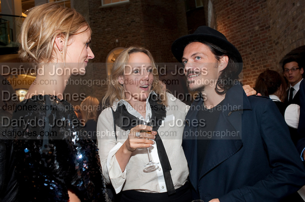 JACQUETTA WHEELER; BAY GARNETT; MATTHEW WILLIAMSON,  Vogue Fashion night out.- Alexandra Shulman and Paddy Byng are host a party  to celebrate the launch for Fashion&Otilde;s Night Out At Asprey. Bond St and afterwards in the street. London. 8 September 2011. <br />  <br />  , -DO NOT ARCHIVE-&copy; Copyright Photograph by Dafydd Jones. 248 Clapham Rd. London SW9 0PZ. Tel 0207 820 0771. www.dafjones.com.<br /> JACQUETTA WHEELER; BAY GARNETT; MATTHEW WILLIAMSON,  Vogue Fashion night out.- Alexandra Shulman and Paddy Byng are host a party  to celebrate the launch for Fashion&rsquo;s Night Out At Asprey. Bond St and afterwards in the street. London. 8 September 2011. <br />  <br />  , -DO NOT ARCHIVE-&copy; Copyright Photograph by Dafydd Jones. 248 Clapham Rd. London SW9 0PZ. Tel 0207 820 0771. www.dafjones.com.