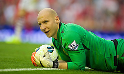 13.09.2014, Anfield, Liverpool, ENG, Premier League, FC Liverpool vs Aston Villa, 4. Runde, im Bild Aston Villa's goalkeeper Brad Guzan in action against Liverpool // during the English Premier League 4th round match between Liverpool FC and Aston Villa at Anfield in Liverpool, Great Britain on 2014/09/13. EXPA Pictures © 2014, PhotoCredit: EXPA/ Propagandaphoto/ David Rawcliffe<br /> <br /> *****ATTENTION - OUT of ENG, GBR*****