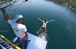 THEMENBILD - Ein Bungee Jumper am 27 Juli 2015 bei seinem Sprung auf der Brücke von Sibenik, Kroatien // A bungee Jumper enjoy his Jump at Sibenik bridge in Croatia on 27th July 2015. EXPA Pictures © 2015, PhotoCredit: EXPA/ Pixsell/ Hrvoje Jelavic<br /> <br /> *****ATTENTION - for AUT, SLO, SUI, SWE, ITA, FRA only*****