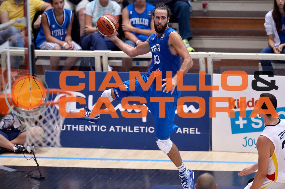 DESCRIZIONE : Trento Nazionale Italia Uomini Trentino Basket Cup Italia Germania Italy Germany <br /> GIOCATORE : Luigi Datome<br /> CATEGORIA : equilibrio passaggio<br /> SQUADRA : Italia Italy<br /> EVENTO : Trentino Basket Cup<br /> GARA : Italia Germania Italy Germany<br /> DATA : 01/08/2015<br /> SPORT : Pallacanestro<br /> AUTORE : Agenzia Ciamillo-Castoria/Max.Ceretti<br /> Galleria : FIP Nazionali 2015<br /> Fotonotizia : Trento Nazionale Italia Uomini Trentino Basket Cup Italia Germania Italy Germany