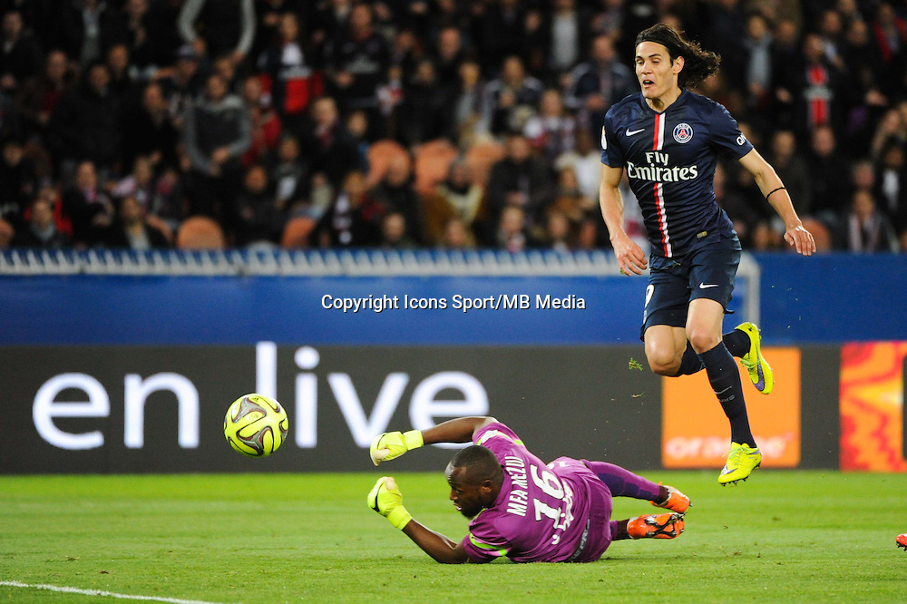 Goal Edinson CAVANI - 28.04.2015 - Paris Saint Germain / Metz - Match en retard - 32eme journee Ligue 1<br />Photo : Nolwenn Le Gouic / Icon Sport
