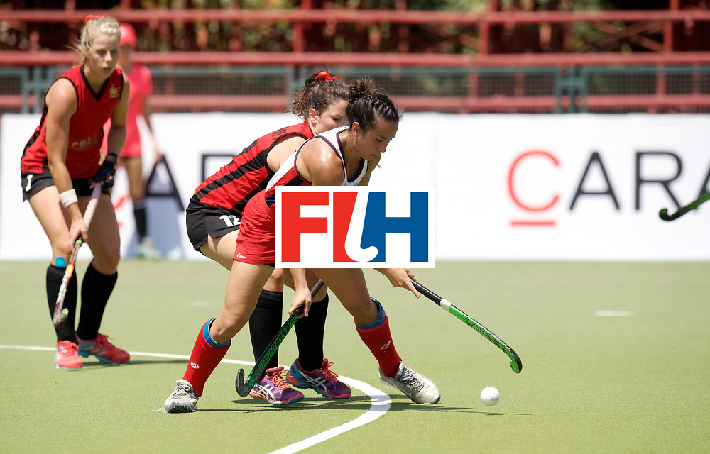SANTIAGO - 2016 8th Women's Hockey Junior World Cup<br /> USA v ZIM (Pool A)<br /> foto: Sinead Cockcroft defending Laura Hurff.<br /> FFU PRESS AGENCY COPYRIGHT FRANK UIJLENBROEK
