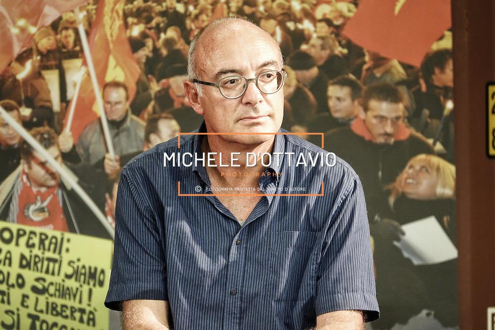 Federico Bellono ritratto alla Festa FIOM TORINO 2016  presso lo spazio MRF – capannone ex DAI Mirafiori. Torino 8 settembre 2016