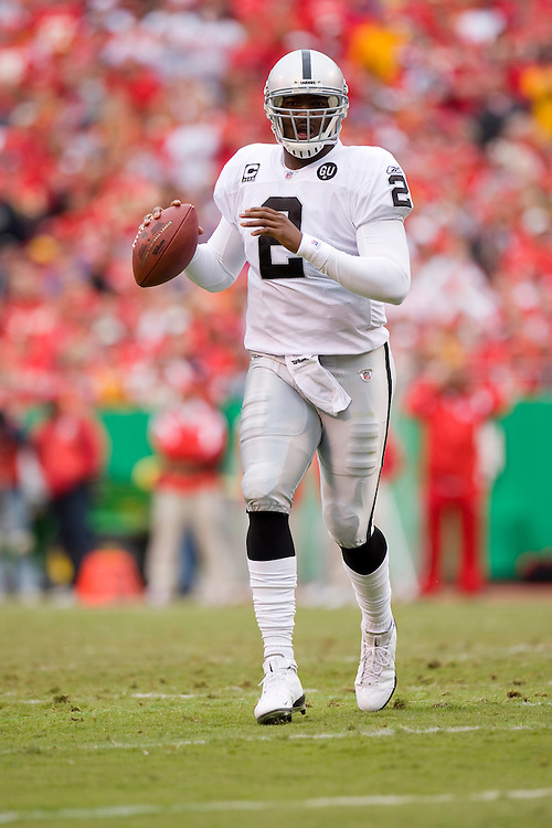 KANSAS CITY, MO - SEPTEMBER 14:   JaMarcus Russell #2 of the Oakland Raiders looks for a receiver against the Kansas City Chiefs at Arrowhead Stadium on September 14, 2008 in Kansas City, Missouri.  The Raiders defeated the Chiefs 23-8.  (Photo by Wesley Hitt/Getty Images) *** Local Caption *** JaMarcus Russell