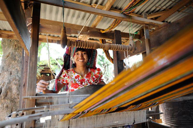 Burmese woman traditional weaving