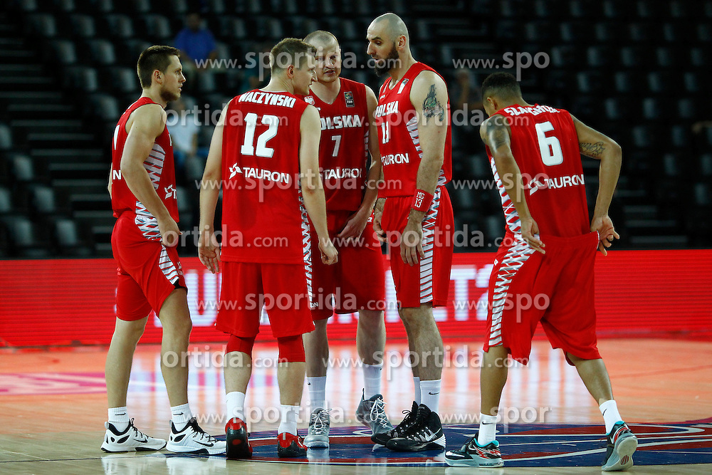 06.09.2015, Park Suites Arena, Montpellier, FRA, Russland vs Polen, Gruppe A, im Bild mateusz ponitka, adam waczynski, damian kulig, marcin gortat // during the FIBA Eurobasket 2015, group A match between Russia and Poland at the Park Suites Arena in Montpellier, France on 2015/09/06. EXPA Pictures &copy; 2015, PhotoCredit: EXPA/ Newspix/ Artur Podlewski<br /> <br /> *****ATTENTION - for AUT, SLO, CRO, SRB, BIH, MAZ, TUR, SUI, SWE only*****