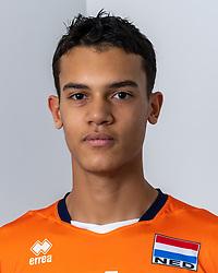 21-12-2018 NED: Photoshoot selection of Orange Young Boys, Arnhem <br /> Orange Young Boys 2018 - 2019 / Kian Macnack #4