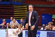 DESCRIZIONE : Milano Lega A 2014-15 <br /> EA7 Milano Granarolo Bologna<br /> GIOCATORE : Banchi Luca<br /> CATEGORIA : Allenatore Coach Mani espressioni urlo <br /> SQUADRA : EA7 Milano<br /> EVENTO : PlayOff Lega A 2014-2015<br /> GARA : EA7 Milano Granarolo Bologna<br /> DATA : 18/05/2015<br /> SPORT : Pallacanestro<br /> AUTORE : Agenzia Ciamillo-Castoria/M.Ozbot<br /> Galleria : Lega Basket A 2014-2015 <br /> Fotonotizia: Milano PlayOff Lega A 2014-15 EA7 Milano Granarolo Bologna