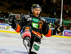 16.10.2015, Eisstadion Liebenau, Graz, AUT, EBEL, Moser Medical Graz 99ers vs Fehervar AV 19, 12. Runde, im Bild Matt Fornataro (EC Graz 99ers) // during the Erste Bank Icehockey League 12th Round match between Moser Medical Graz 99ers and Fehervar AV 19 at the Ice Stadium Liebenau, Graz, Austria on 2015/10/16, EXPA Pictures © 2015, PhotoCredit: EXPA/ Erwin Scheriau