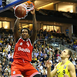 15.11.2015, Mercedes Benz Arena, Berlin, GER, Alba Berlin vs FC Bayern Muenchen, 4. Runde, im Bild Deon Thompson (#9, FC Bayern Muenchen) mit einem Dunk // during the Beko Basketball Bundes league 4th round match between Alba Berlin and FC Bayern Muenchen at the Mercedes Benz Arena in Berlin, Germany on 2015/11/15. EXPA Pictures © 2015, PhotoCredit: EXPA/ Eibner-Pressefoto/ Hundt<br /> <br /> *****ATTENTION - OUT of GER*****