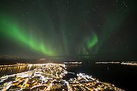 Fantastisk nordlys over Sunnmøre.<br /> Foto: Svein Ove Ekornesvåg