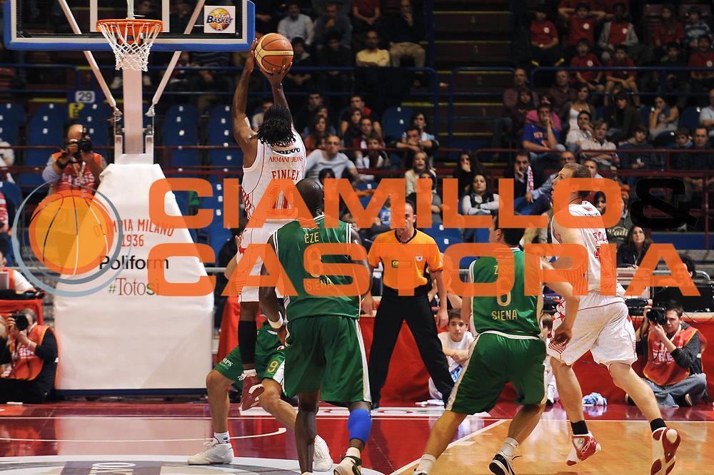 DESCRIZIONE : Milano Lega A 2009-10 Armani Jeans Milano Montepaschi Siena<br /> GIOCATORE : Morris Finley<br /> SQUADRA : Armani Jeans Milano<br /> EVENTO : Campionato Lega A 2009-2010<br /> GARA : Armani Jeans Milano Montepaschi Siena<br /> DATA : 01/11/2009<br /> CATEGORIA : tiro<br /> SPORT : Pallacanestro<br /> AUTORE : Agenzia Ciamillo-Castoria/A.Dealberto