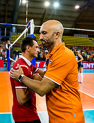 11-08-2018 NED: Rabobank Super Series Netherlands - Turkey, Eindhoven<br /> Netherlands in the final against Russia. The Dutch win the semi final in straight sets 3-0 / Coach Jamie Morrison of the Netherlands and Giovanni Guidetti of Turkey