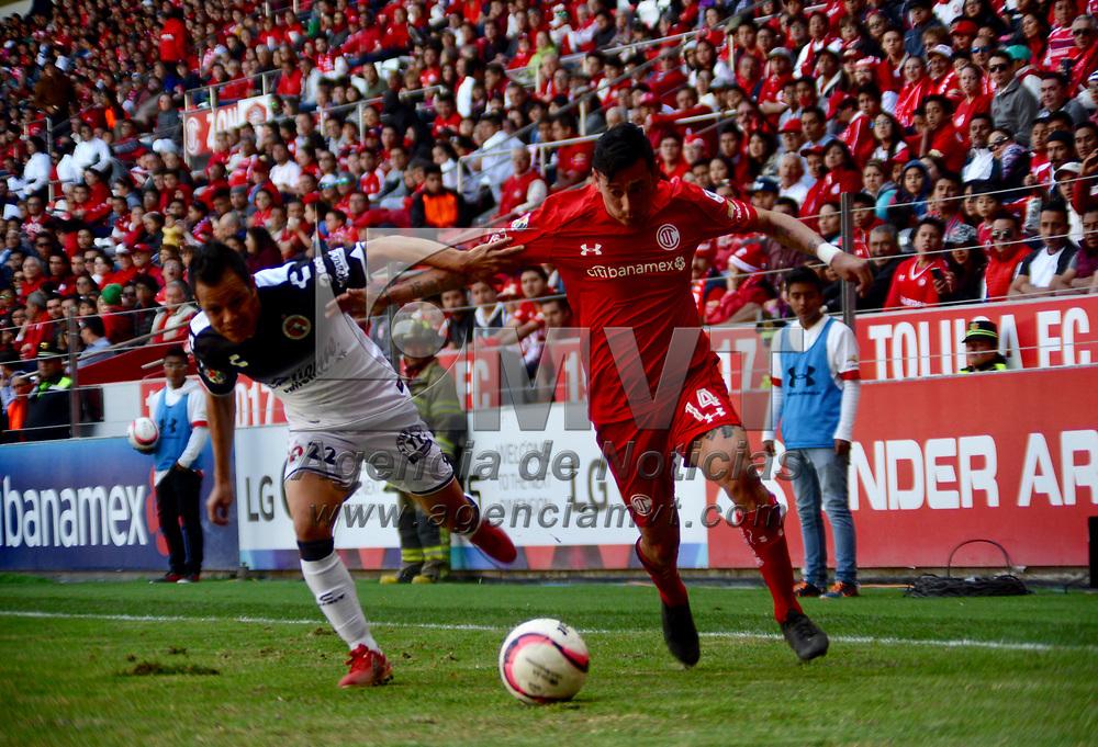Toluca, México (Noviembre 19, 2017).- Rubens Oscar Sambueza de los Diablos Rojos del Toluca quienes vencieron a la escuadra de Xolos de Tijuana con un marcador final de 3-1, asegurando su pase a la Liguilla del Torneo de Apertura 2017 de la Liga MX. Agencia MVT / Crisanta Espinosa.