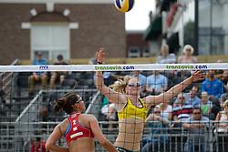 16-07-2014 NED: FIVB Grand Slam Beach Volleybal, Apeldoorn<br /> Poule fase groep G vrouwen - Ekaterina Syrtseva (2) RUS, Julia Sude (2) GER