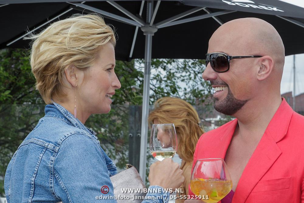 NLD/Amsterdam/20120601 - Uitreiking Talkies Terras Awards 2012, Anouk Smulders - Voorveld in gesprek met Maik de Boer